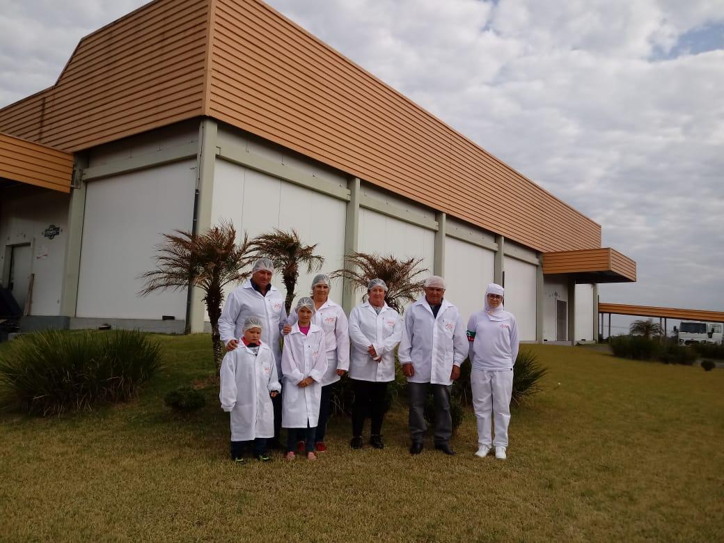 2ª turma de familiares de colaboradores realizam visita técnica à Dipães